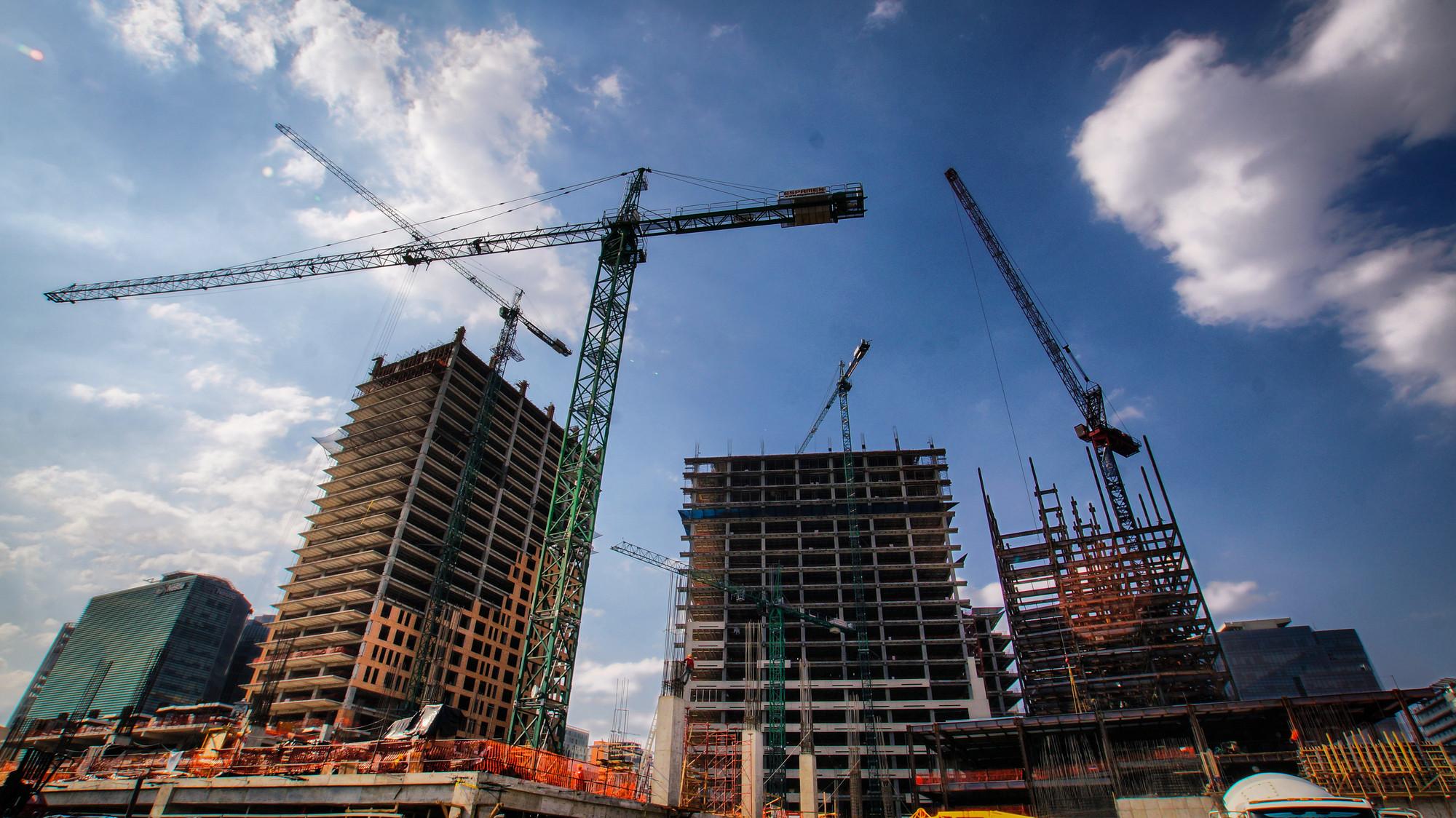 Galer a de en construcci n nuevo centro urbano en la for Marmol en la construccion