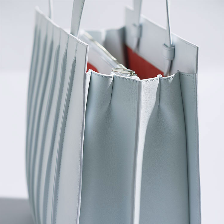 d3b2d0503a1c3 Renzo Piano Designs New Handbag Inspired by the Whitney Museum. © Max Mara
