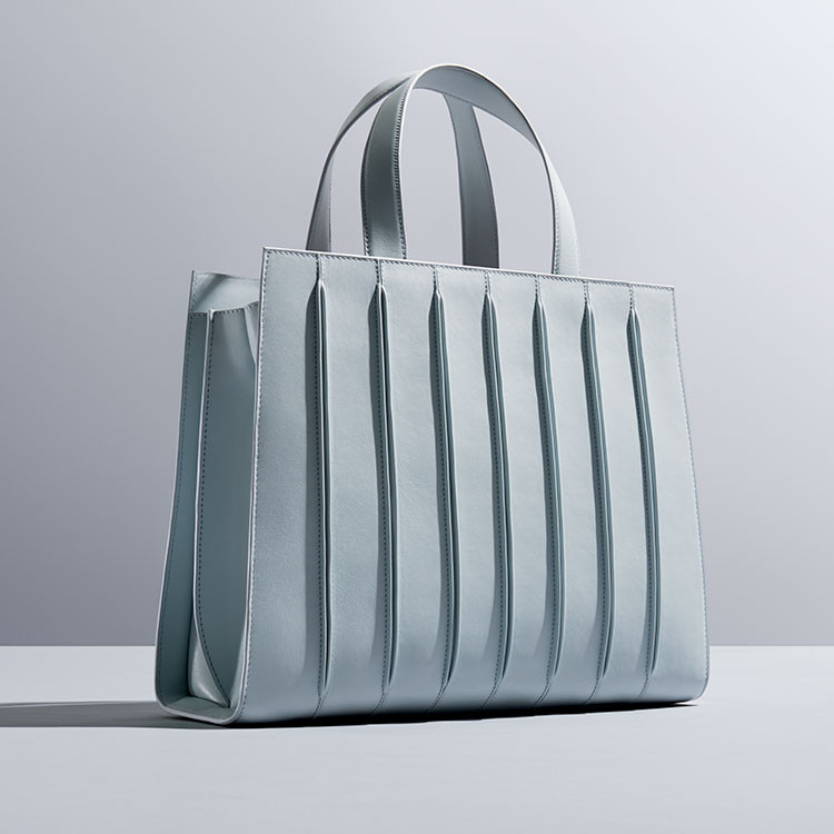 Renzo Piano Designs New Handbag Inspired by the Whitney Museum, © Max Mara