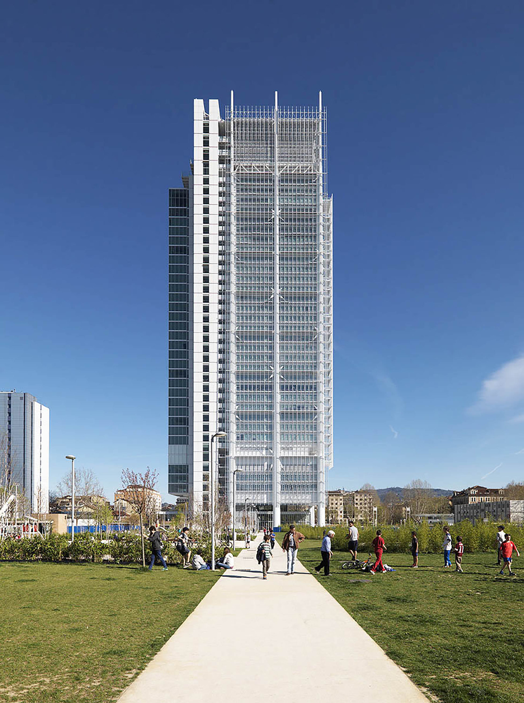 Gallery of intesa sanpaolo office building renzo piano - Office tourisme italien a paris ...