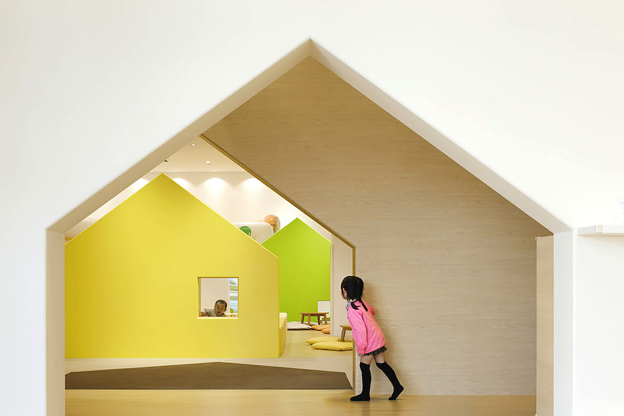 Mama Smile / Emmanuelle Moureaux Architecture + Design, © Daisuke Shima / Nacasa & Partners