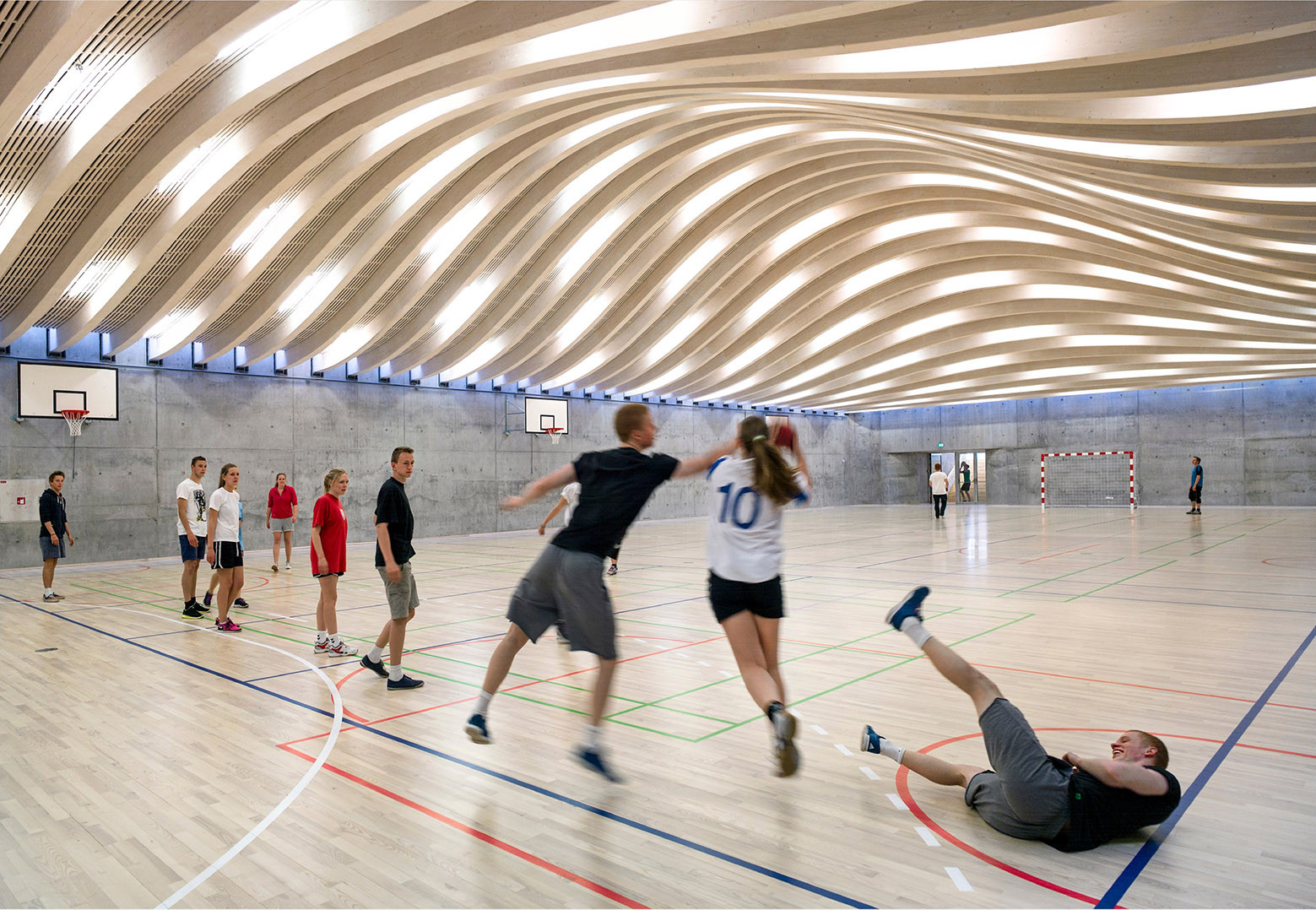 Gallery of sports arts expansion at gammel hellerup for Schule design