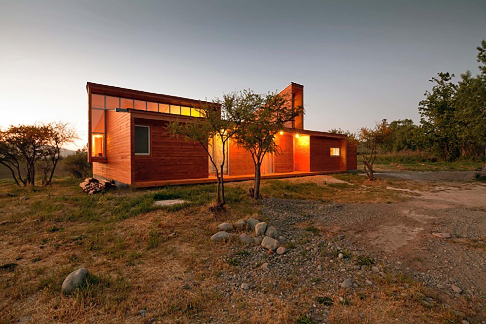 Casa MJ  / COMUNarquitectos, © Aryeh Kornfeld