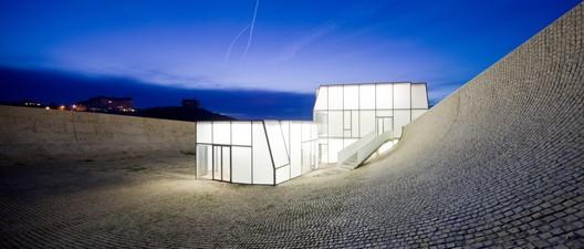 Museu do Oceano e do Surf / Steven Holl Architects, colaboração Solange Fabião. Image © Iwan Baan
