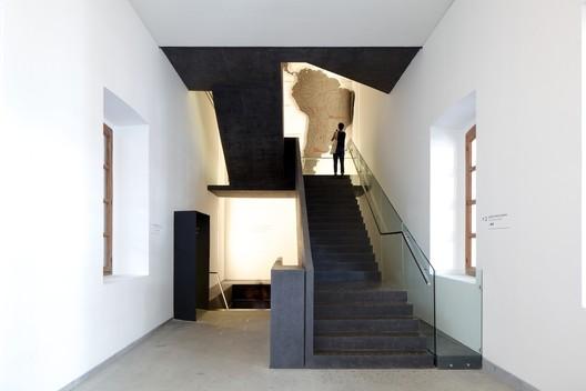 Ampliação e Remodelação do Museu Chileno de Arte Pré-colombiana / Smiljan Radic. Image © Nico Saieh