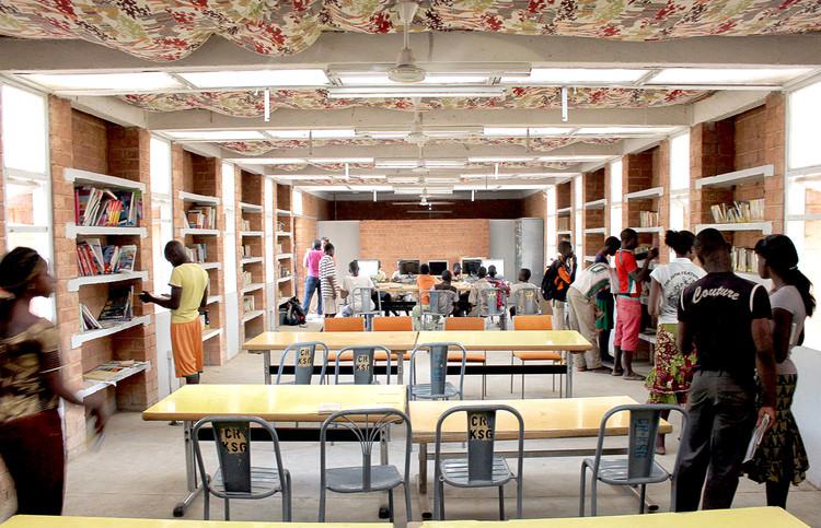 Biblioteca Katiou / Albert Faus, Cortesía de Albert Faus