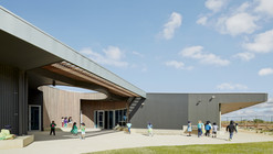 St Mary of the Cross Primary School / Baldasso Cortese Architects