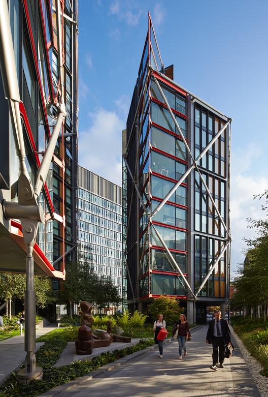Veja todos os 38 vencedores do Prêmio RIBA Londres 2015, NEO Bankside / Rogers Stirk Harbour + Partners. Imagem © Edmund Sumner
