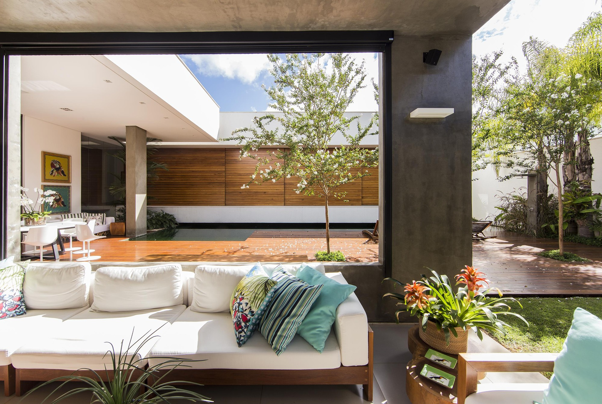 Residência RMJ / Felipe Bueno & Alexandre Bueno
