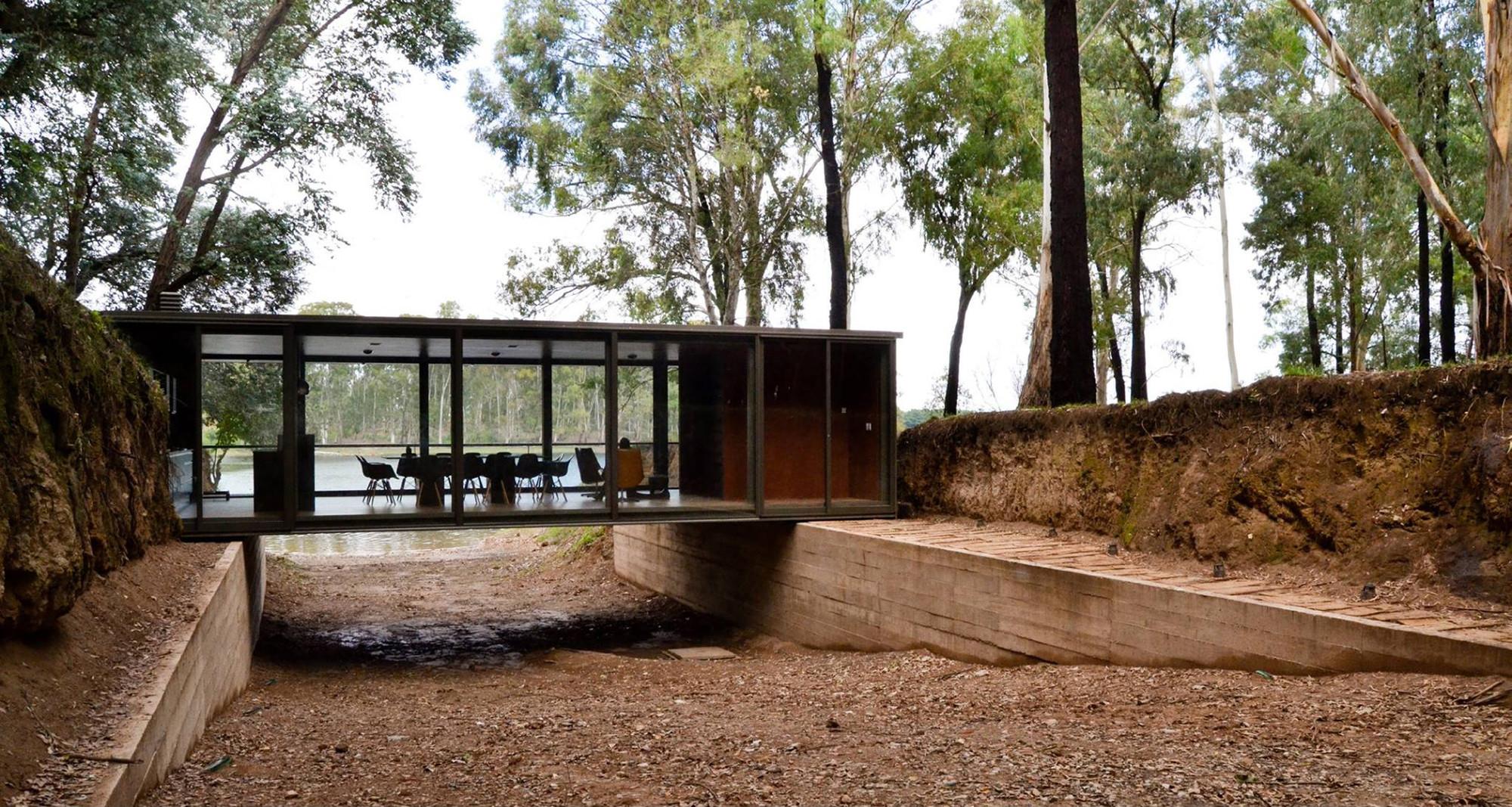 Bridge Pavilion / alarciaferrer arquitectos, © Lucas Carranza