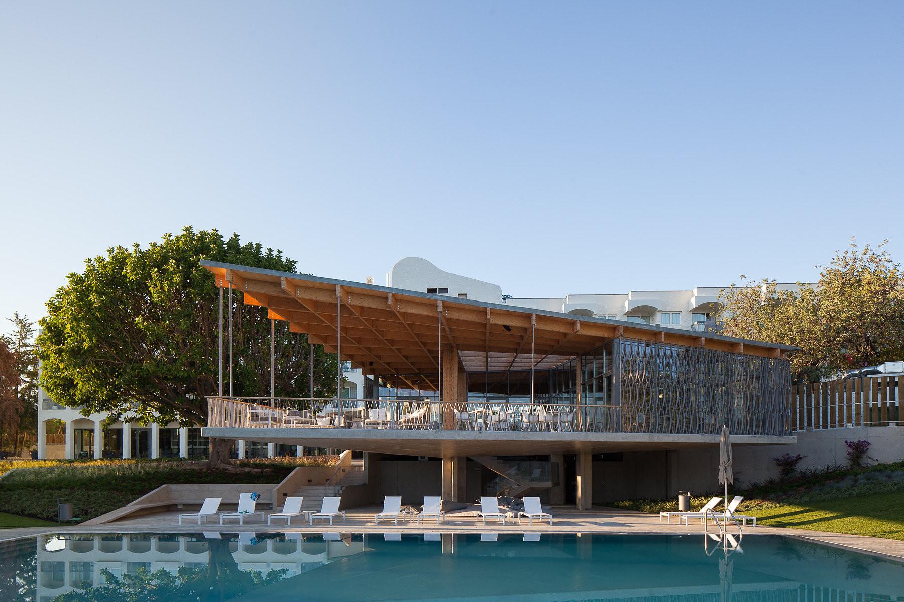 9 projetos portugueses entre os finalistas dos Prêmios FAD 2015, Hotel Ozadi. © José Campos