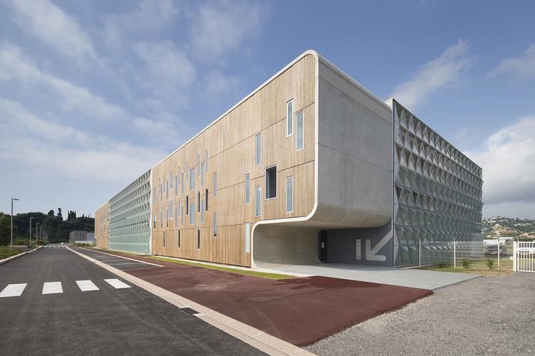 Aeroporto de Cannes Fase II / Comte & Vollenweider Architectes, Cortesia de Comte & Vollenweider Architectes