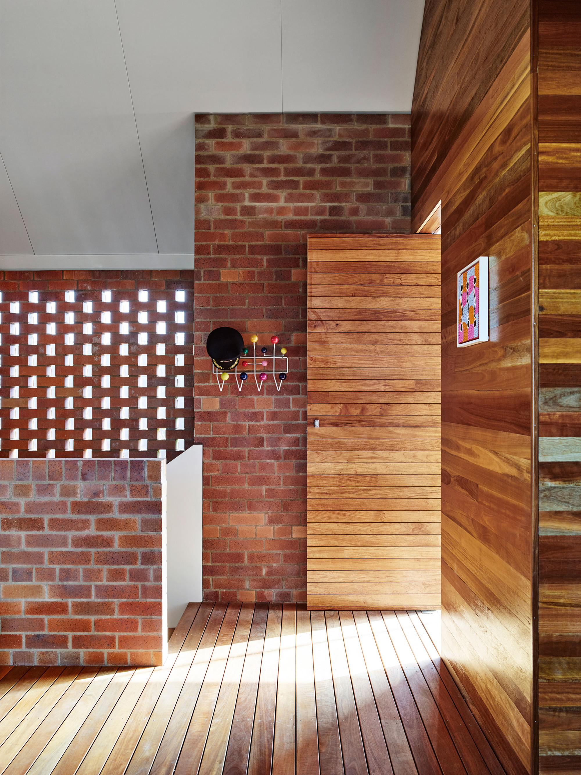 Gallery of christian street house james russell for Modern brick veneer