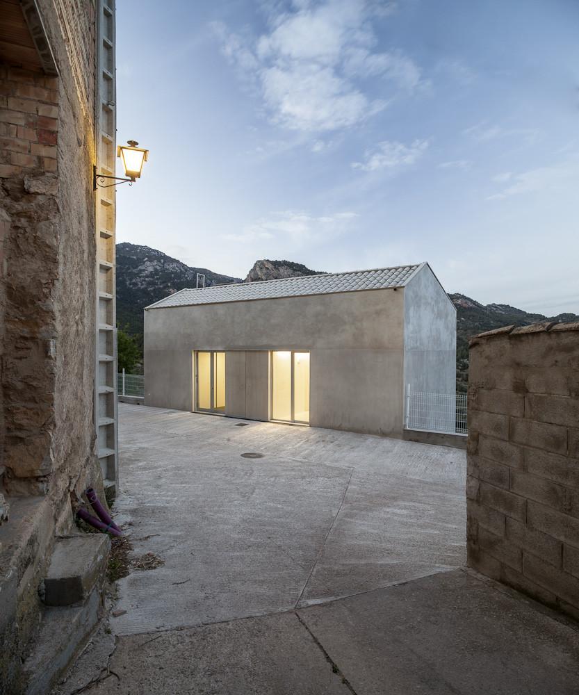 Consultorio local pa ls vora plataforma arquitectura for Local arquitectura