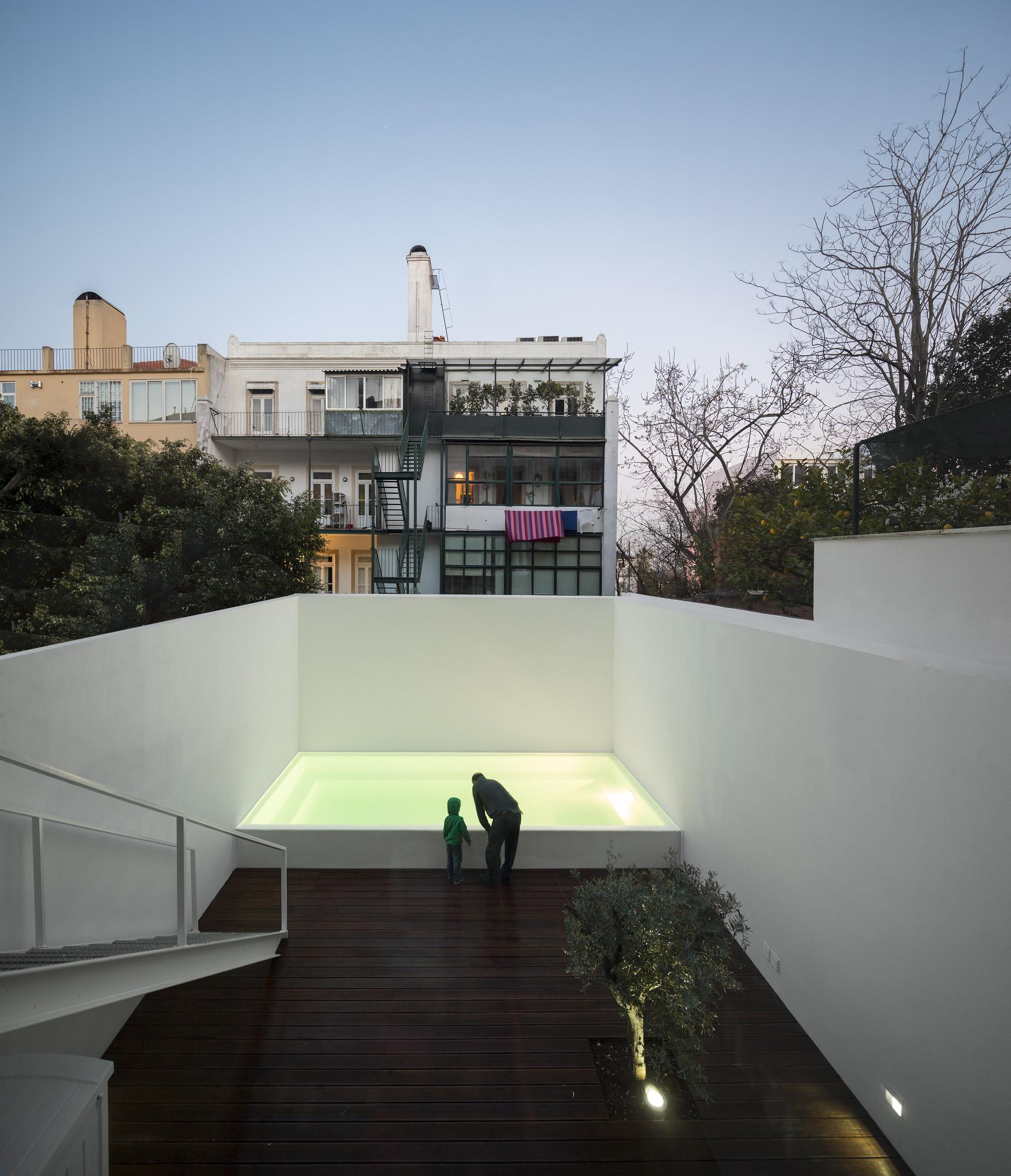 LAPA BUILDING / João Tiago Aguiar Arquitectos