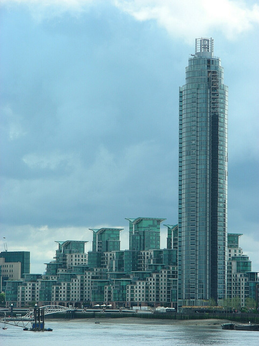 Report Offers 10 Recommendations To Curb London's Tall Building Boom, Areas such as Vauxhall (above) and Stratford have seen a dramatic rise in high-density housing. Image © Flickr CC user Willard