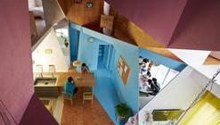 Arte e Arquitetura: Apartament House, uma colorida e geométrica forma de restaurar uma casa
