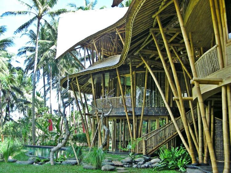 Bamboom: el TED Talk de Elora Hardy sobre la explosión en la popularidad del bambú, Parte del Green Village de Hardy. Imagen © Agung Dwi