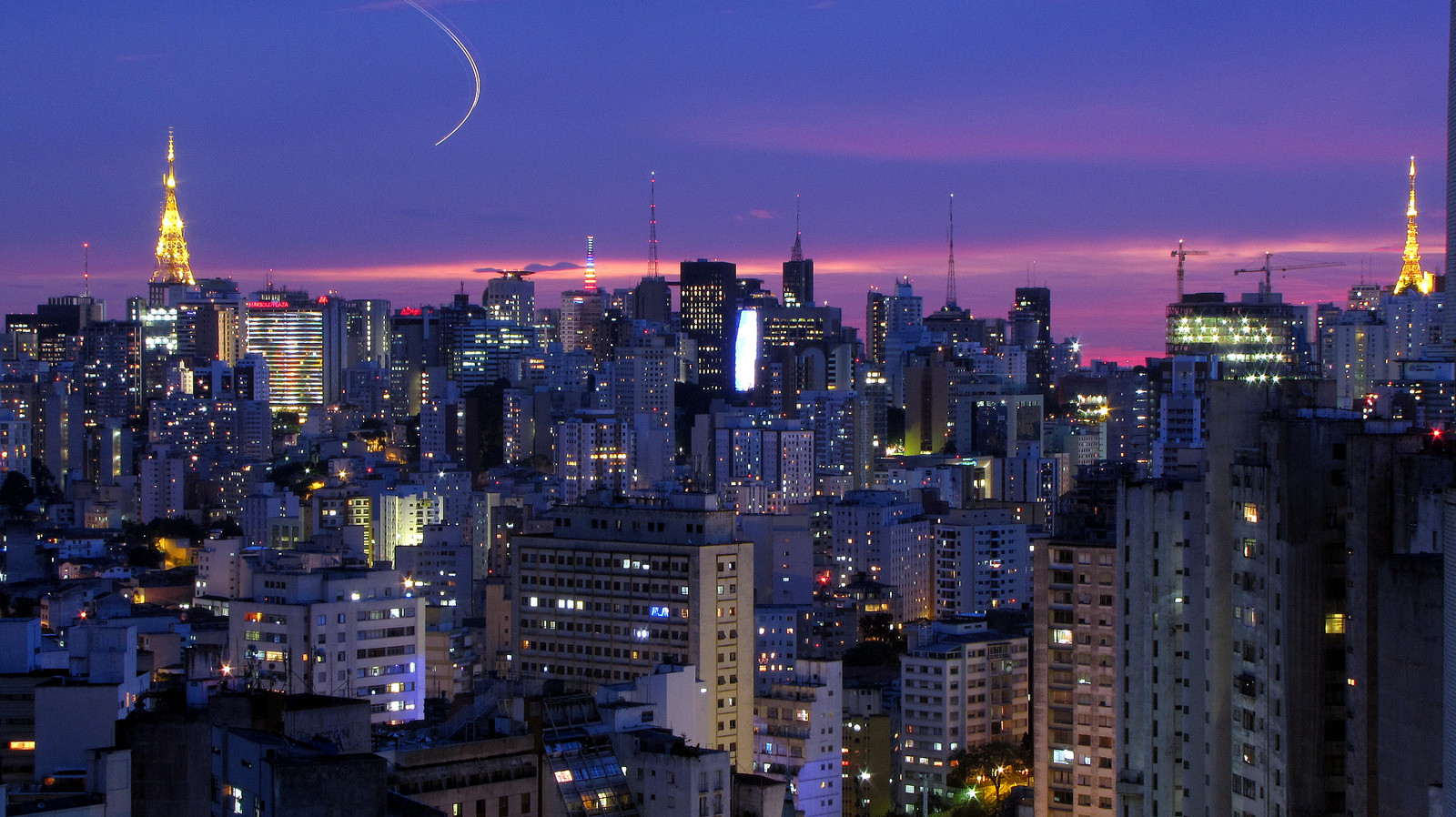São Paulo entre as 10 cidades com skyline mais impactantes do mundo, São Paulo. © Júlio Boaro, via Flickr. Used under <a href='https://creativecommons.org/licenses/by-sa/2.0/'>Creative Commons</a>