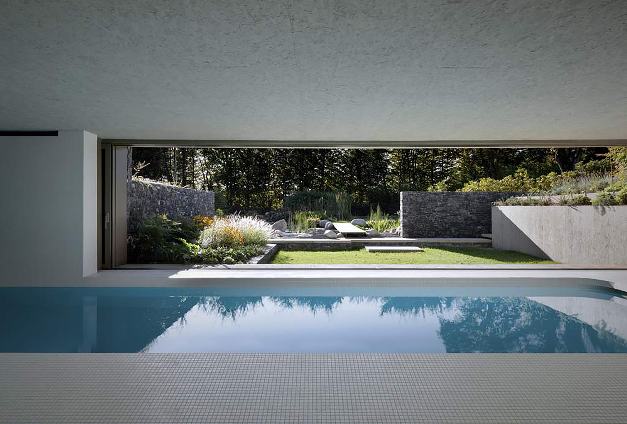 Gallery of roccolo s swimming pool act romegialli 15 for Piscina pool
