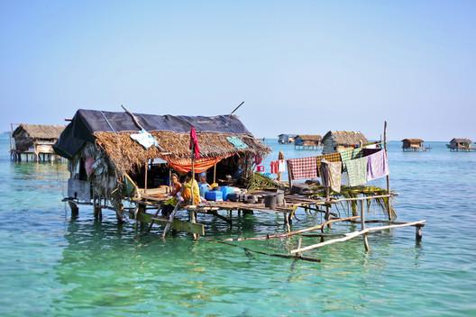 Construção temporária no Sudeste Asiático. Imagem © asnida via Shutterstock