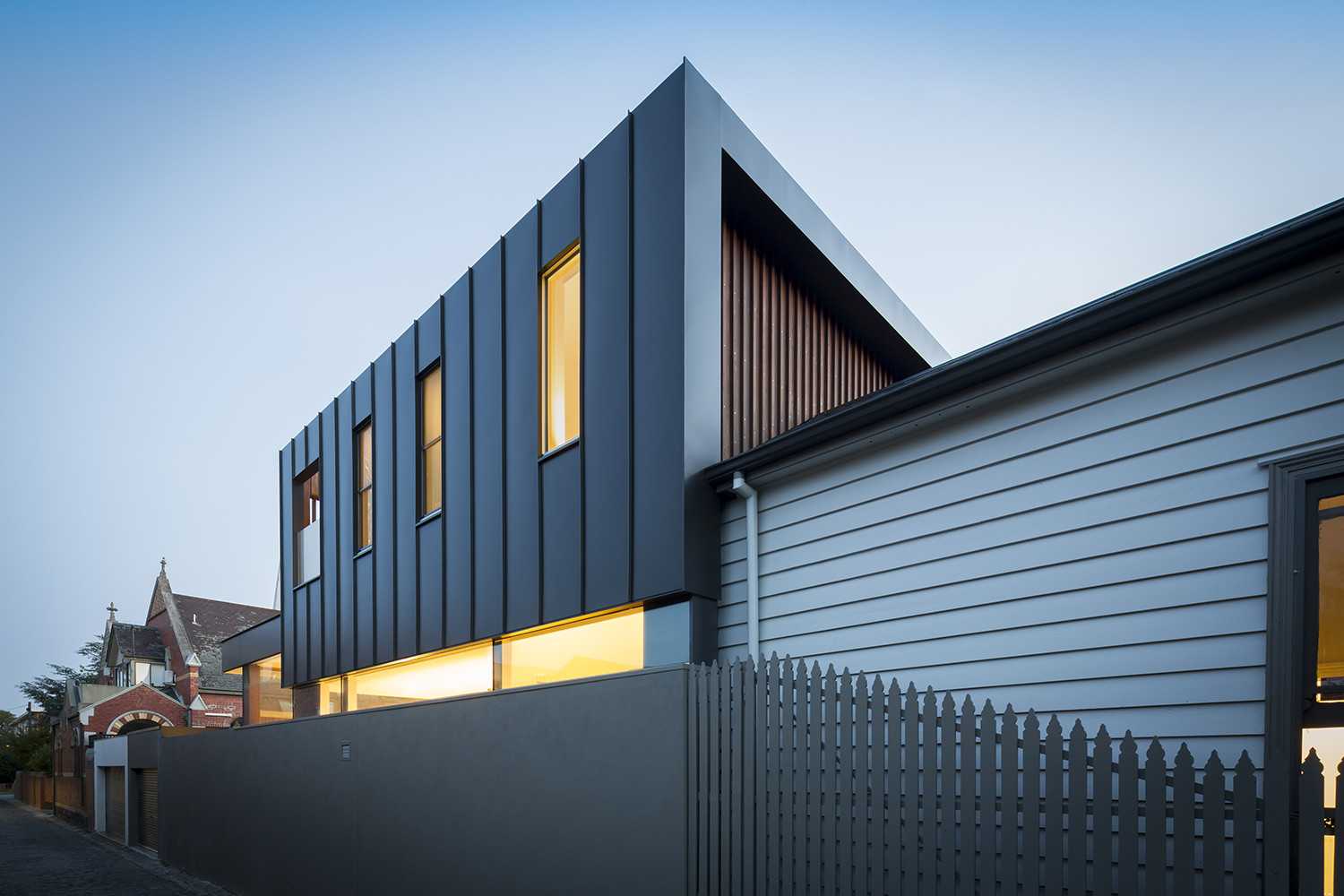 Gallery of Armadale House 2 / Mitsouri Architects - 8