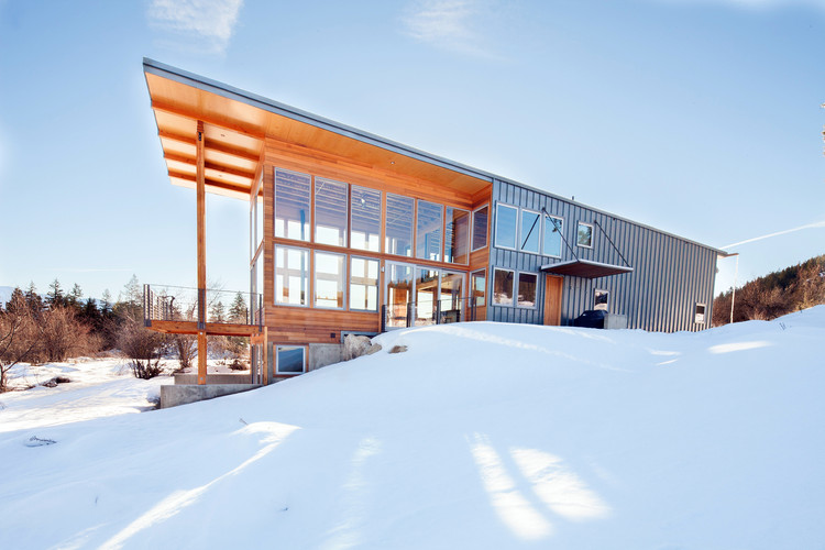 Wolf Creek Red Tail / Johnston Architects, Cortesía de Johnston Architects