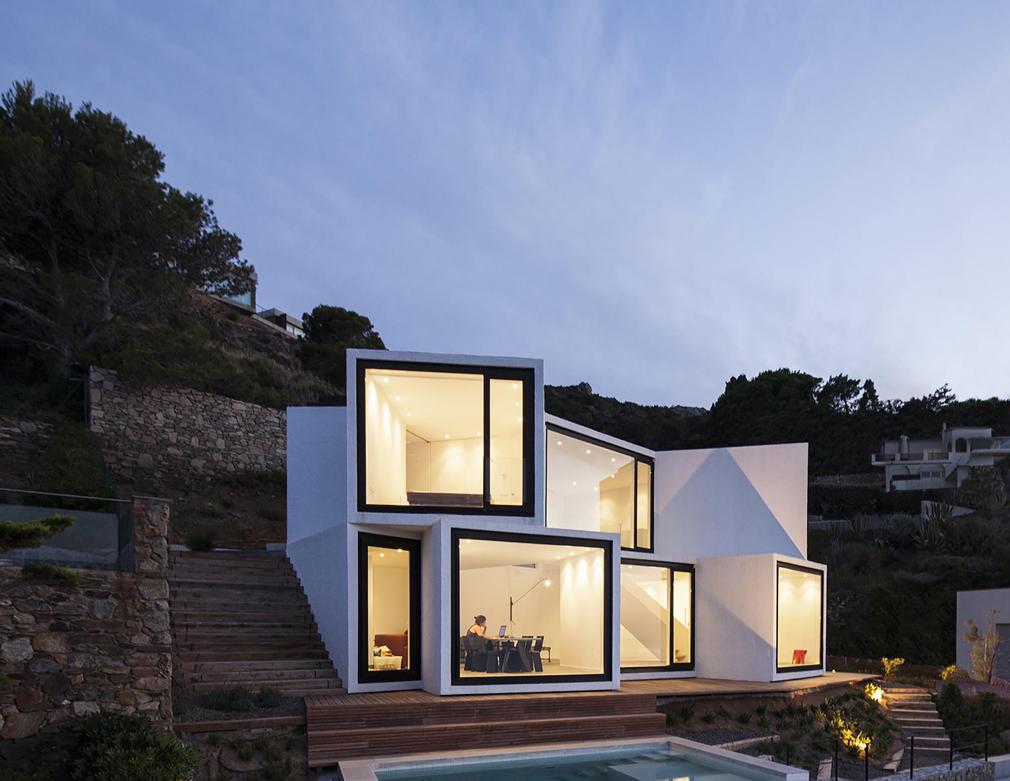 Sunflower House  / Cadaval & Solà-Morales, © Sandra Pereznieto