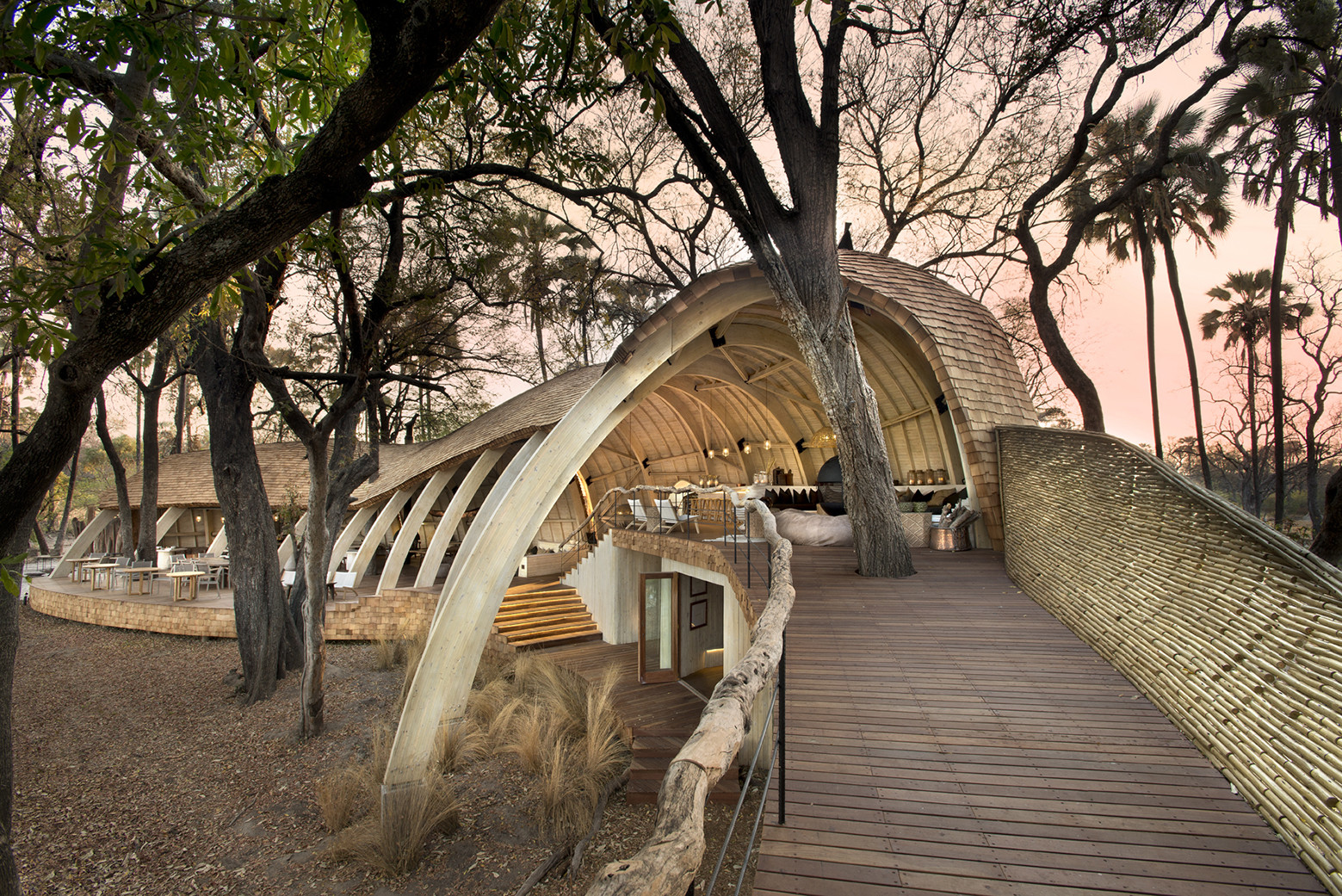 Lodge Sandibe en Okavango / Nicholas Plewman Architects in Association with Michaelis Boyd Associates, © Dook