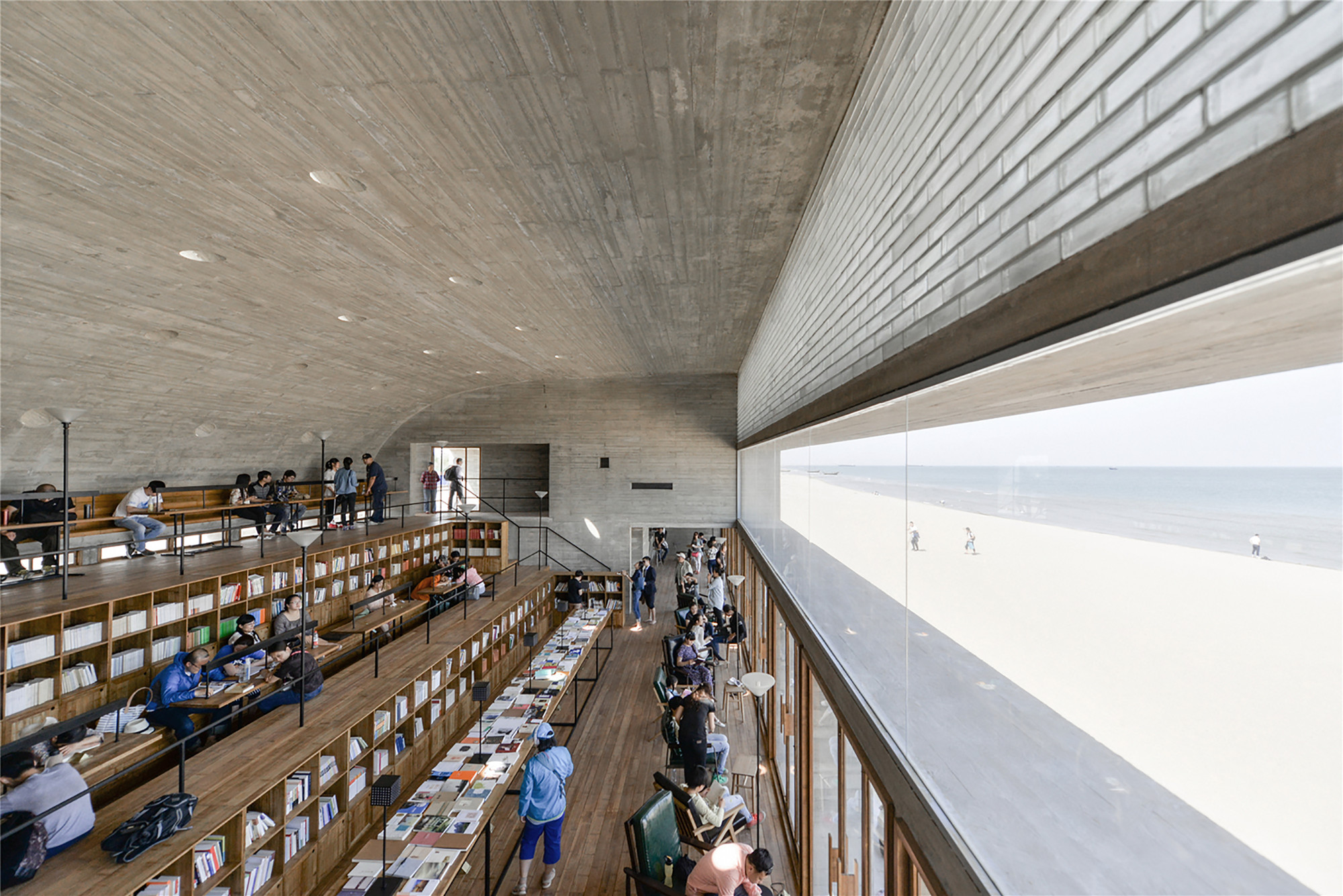 Biblioteca en la costa  / Vector Architects, © He Bin