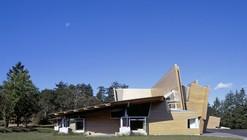 AD Classics: Strawberry Vale Elementary School / Patkau Architects