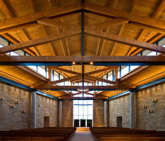 2014 Faith & Form Award Winner: Watermark Community Church / OMNIPLAN Architects. Image © Peter Calvin