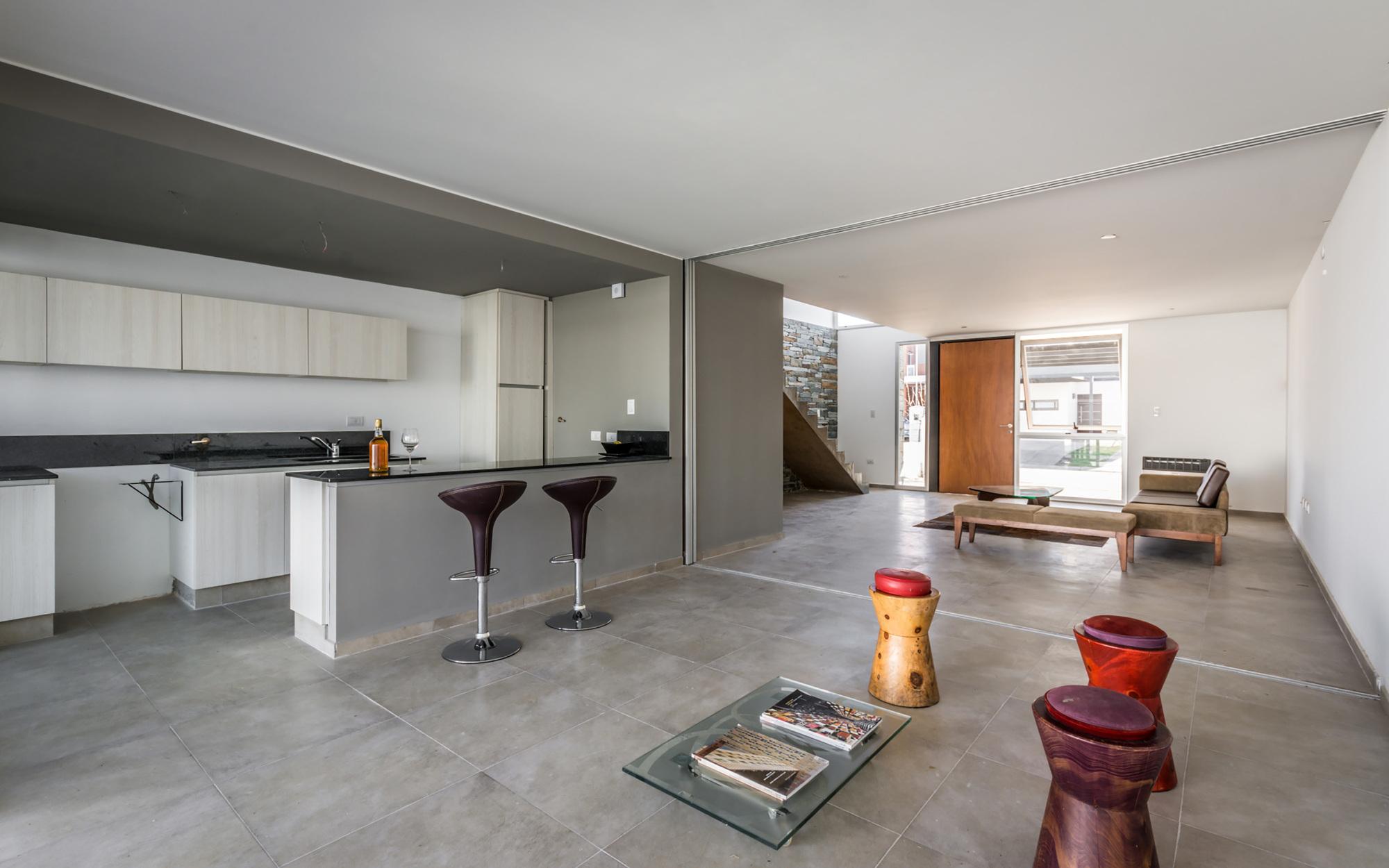 Galeria de casas geminadas estudio a 3 13 for Diseno de pisos interiores