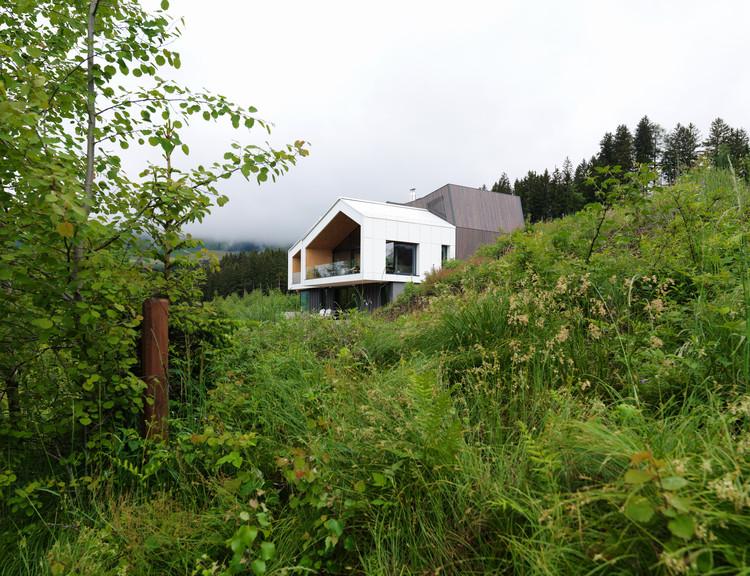 Casa com vistas à montanha / SoNo arhitekti, © Matevž Paternoster
