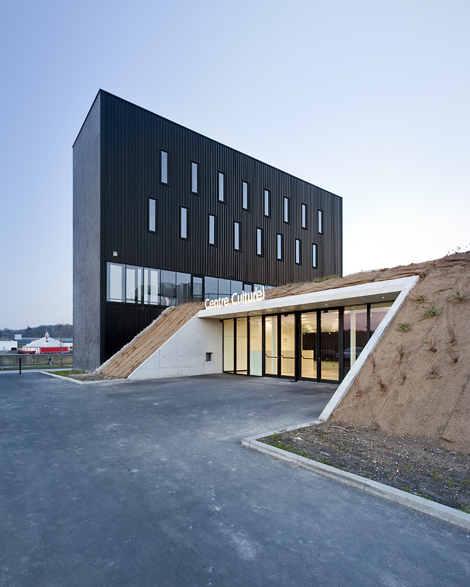 Anndenne 39 S Cultural Center Label Architecture Archdaily