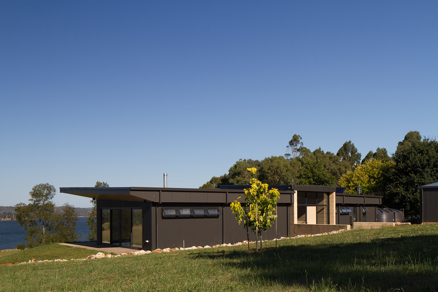 Willow grove finnis architects archdaily - The wing house maison ailee en australie ...