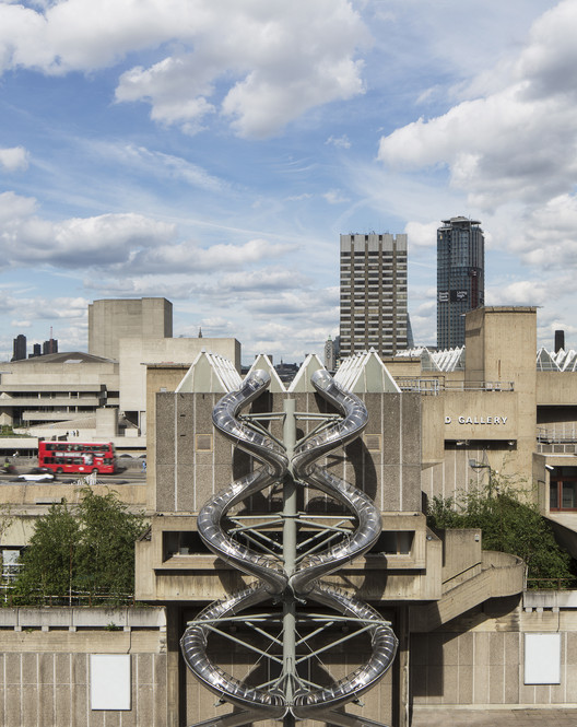 "Carsten Höller's ""Decision"" (Including the 4-Story-High ""Isometric Slides"") Opens at London's Hayward Gallery, Isomeric Slides. Image © David Levene"