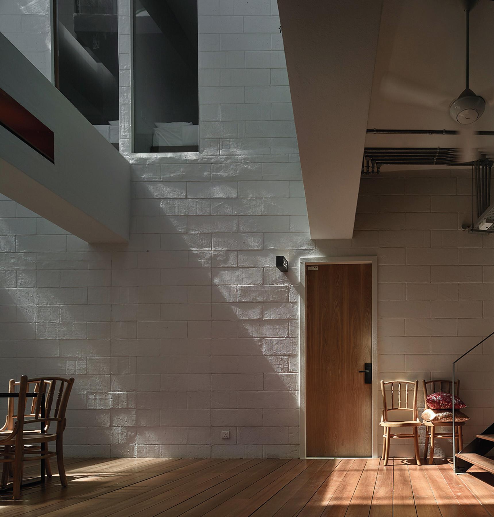 Lantern Hotel / ZLGdesign