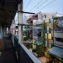 5 After - Vegan House / Block Architects: Ấn tượng với những cửa sổ cũ