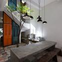 9 After - Vegan House / Block Architects: Ấn tượng với những cửa sổ cũ