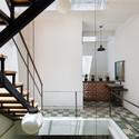 10 - Vegan House / Block Architects: Ấn tượng với những cửa sổ cũ