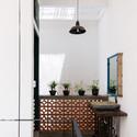 13 - Vegan House / Block Architects: Ấn tượng với những cửa sổ cũ
