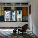 16 - Vegan House / Block Architects: Ấn tượng với những cửa sổ cũ