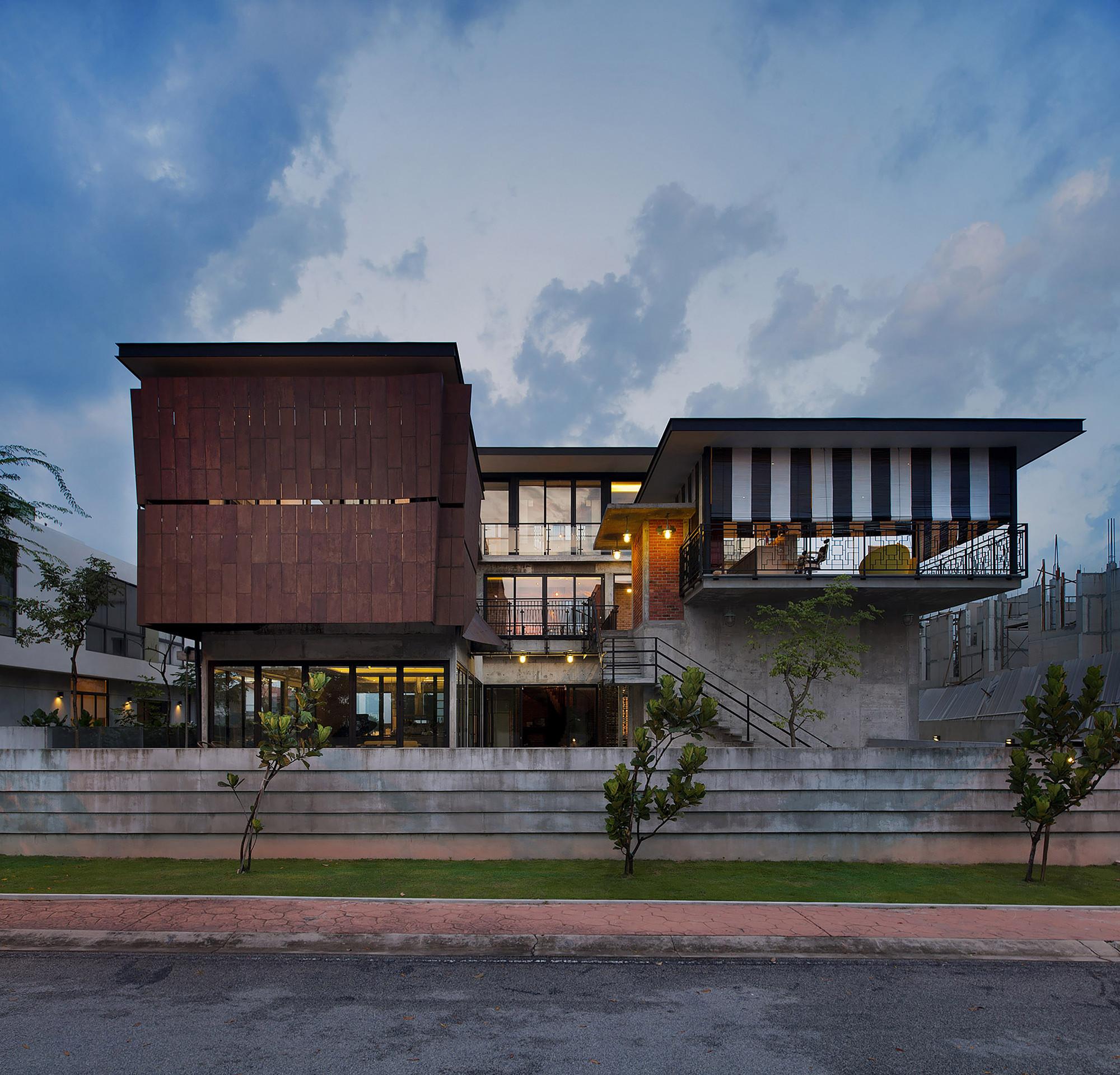 Casa en Glenhill Saujana / Seshan Design
