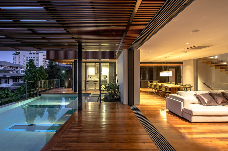 Casa Joly / Stu/D/O Architects, © Krisada Boonchaleow