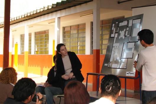 Processo participativo de projeto junto às famílias. Image © USINA CTAH