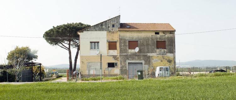 Strada provinciale del Puntone 29, Bagno di Gavorrano, Grosseto, Toscana. Imagen © Space Caviar
