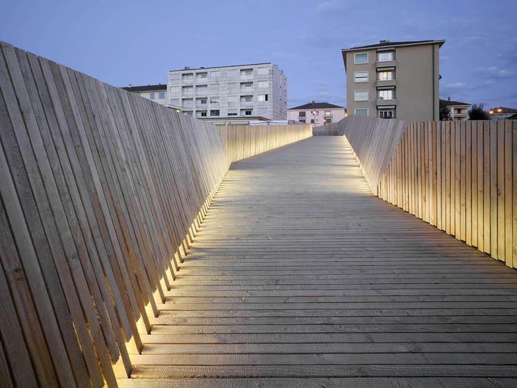 Passarela la sallas 2b architectes archdaily brasil for Architecte lausanne