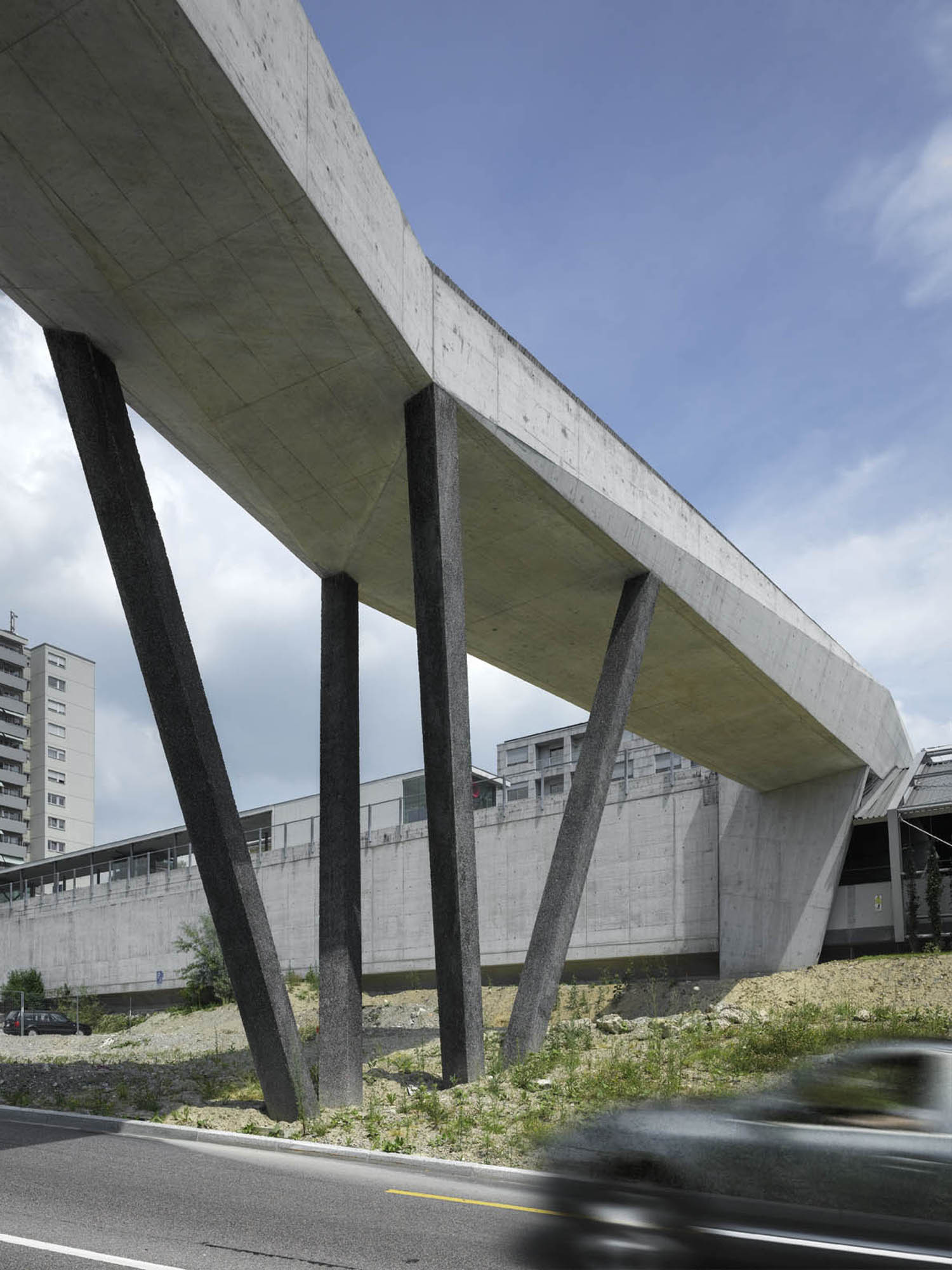 Galeria De Passarela La Sallas 2b Architectes 6