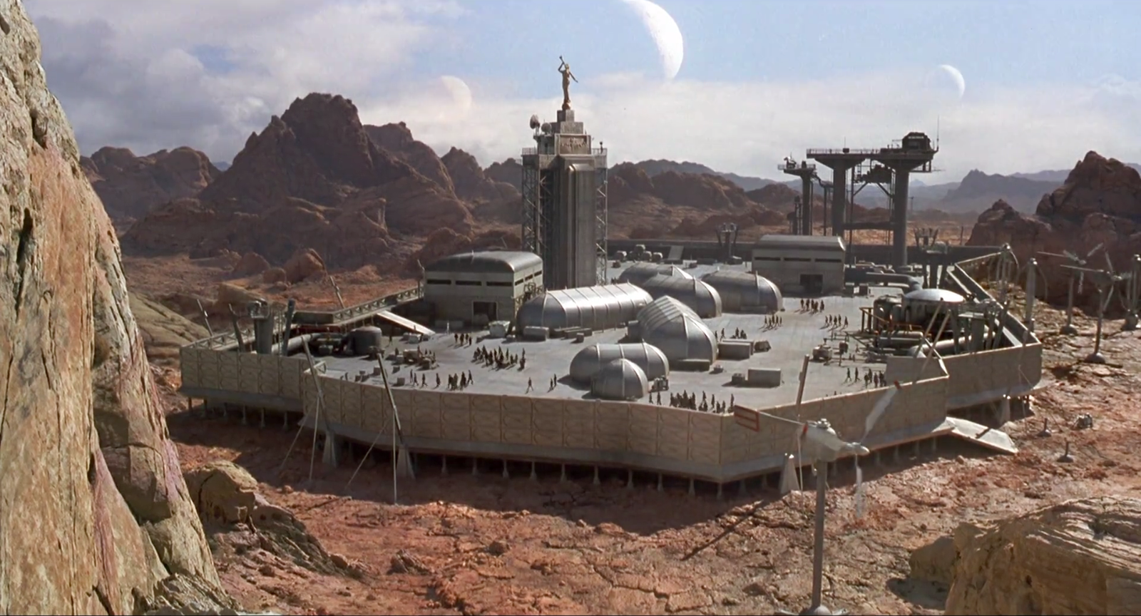 "Cine y Arquitectura: ""Starship Troopers"" (1997)"